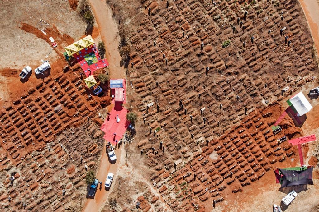 An aerial picture of funerals being conducted last week at at the Olifantsvlei Cemetery in the Johannesburg suburb of Soweto