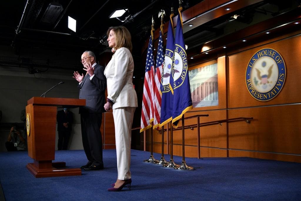 White House rejects Democrats' offer for $2 trillion stimulus price tag