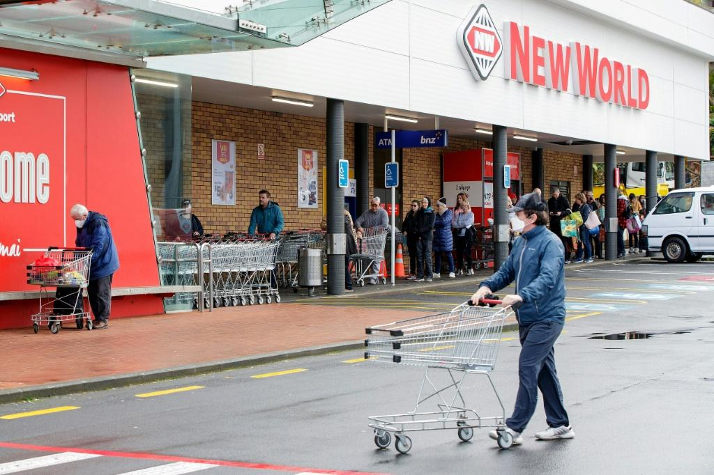 Queues formed at supermarkets as a three-day lockdown was announced in Auckland