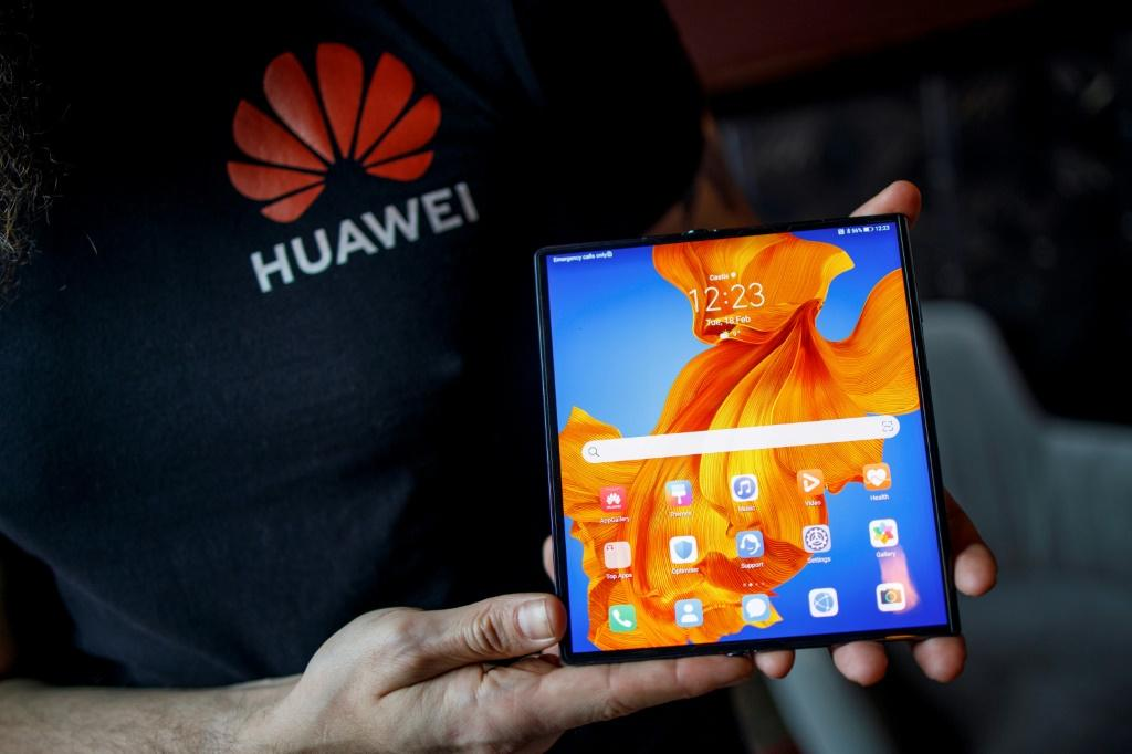 US sanctions on China's Huawei could prevent smartphone owners from getting updates to the Google Android operating system