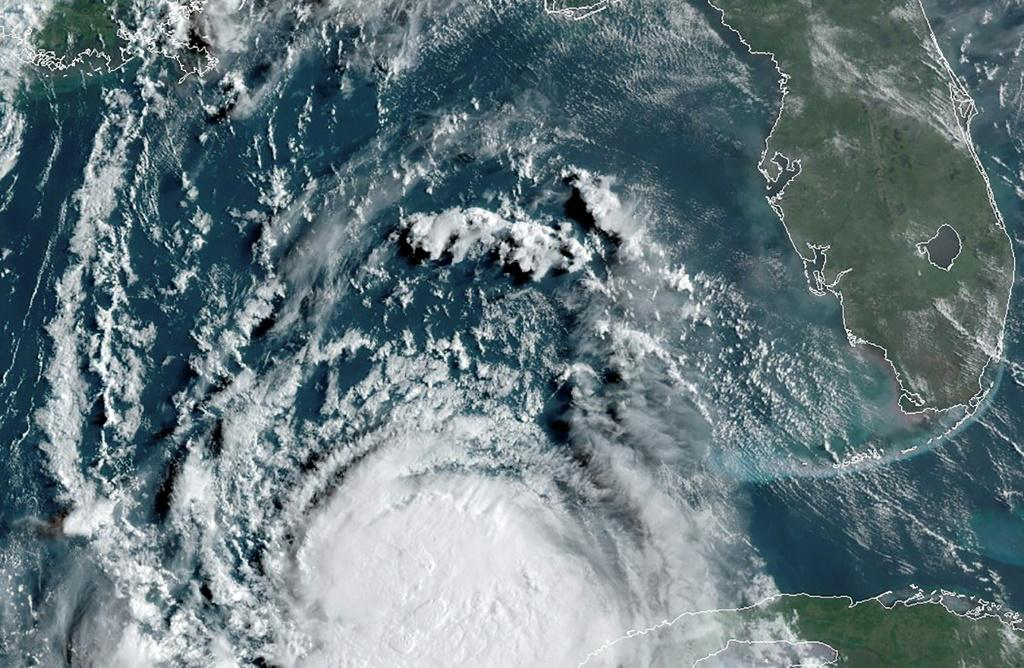 Hurricane Laura in the Gulf of Mexico mving towards Louisiana at 13:00 UTC on August 25