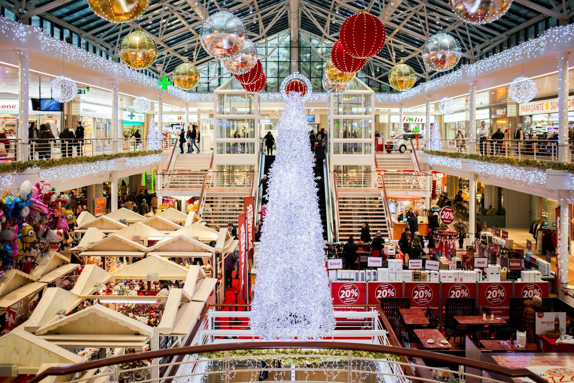 shopping-mall-2605815_1920