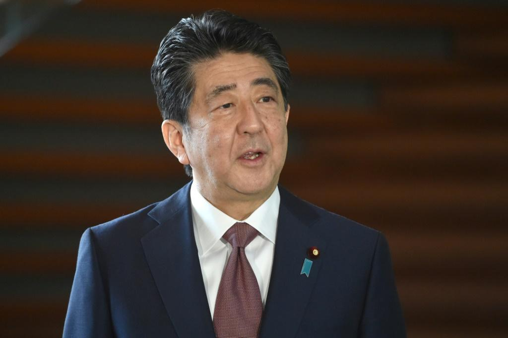Abe's cabinet resigned in the morning, kicking off the transition process