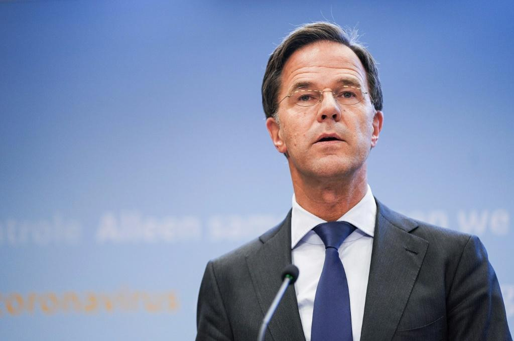 After long refusing to make the wearing of masks compulsory, Dutch Prime Minister Mark Rutte finally ordered that non-medical face coverings must also be worn in all indoor spaces by people aged over 13