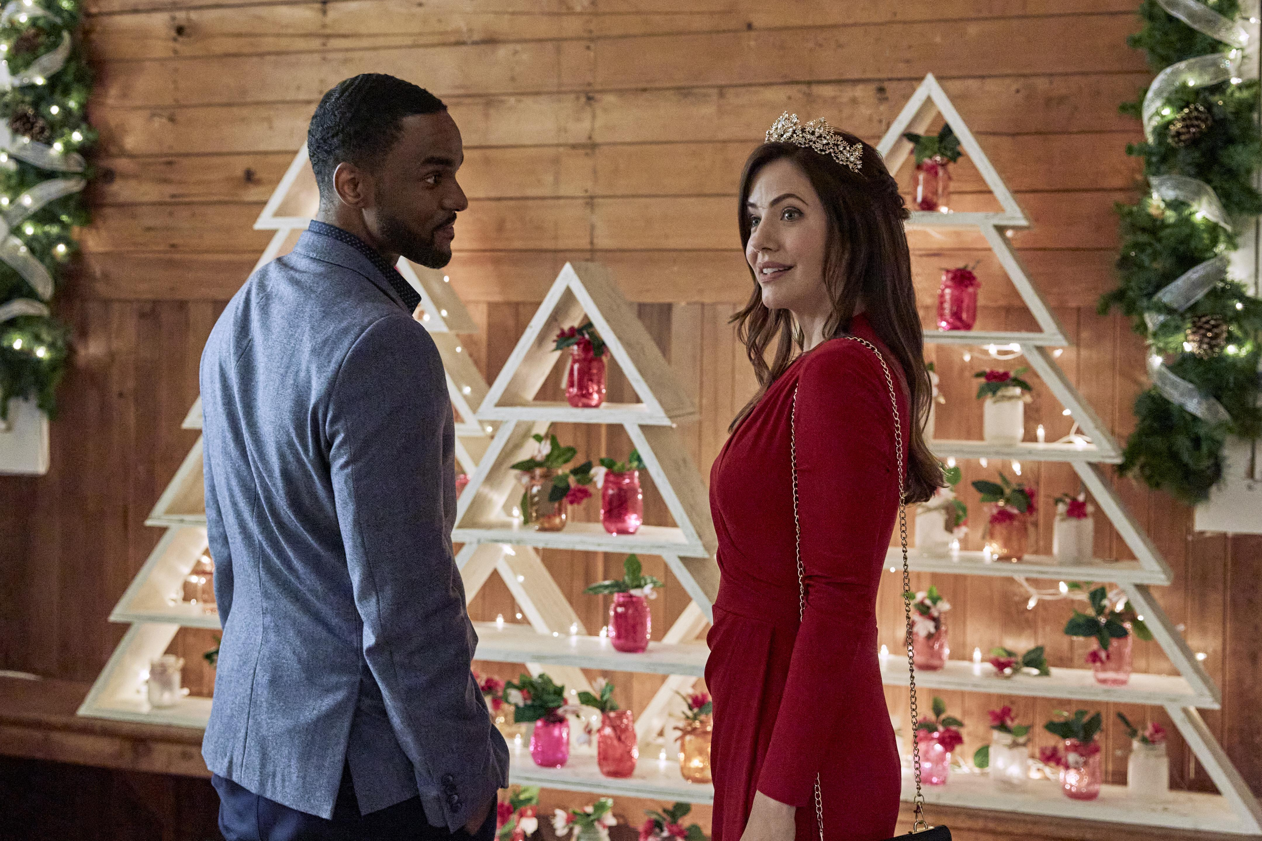 Starlight Christmas Ebent 2020 New Hallmark Christmas 2020 Movies Schedule: Countdown To