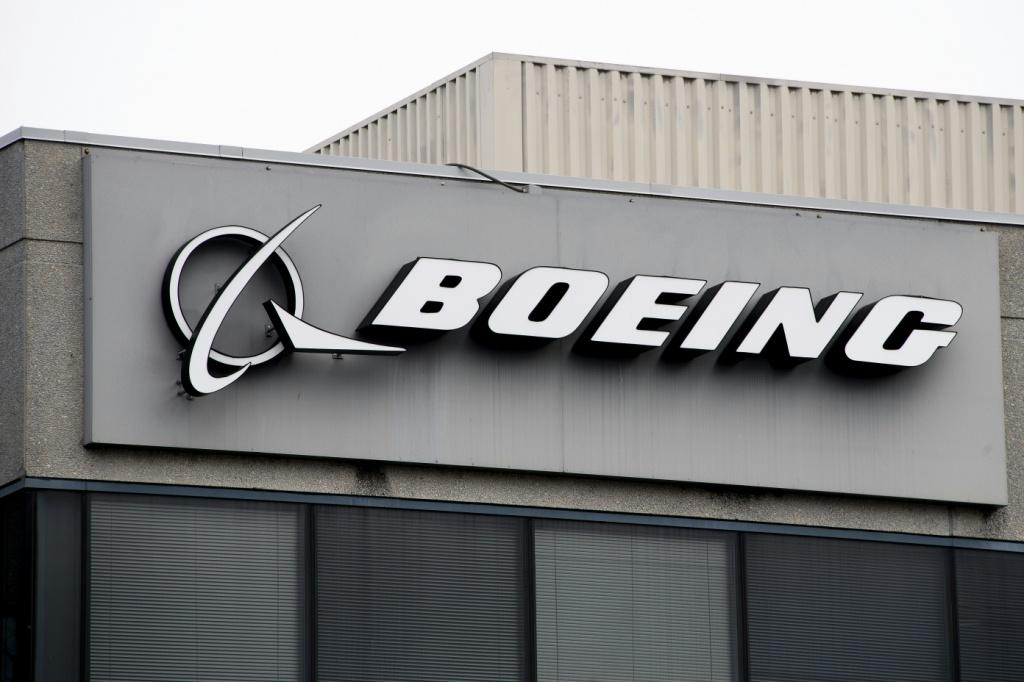 Fewer canceled orders at planemaker Boeing helped push US durable goods up overall in September