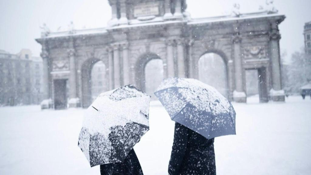 Madrid blanketed in snow as deadly storms cause chaos across Spain