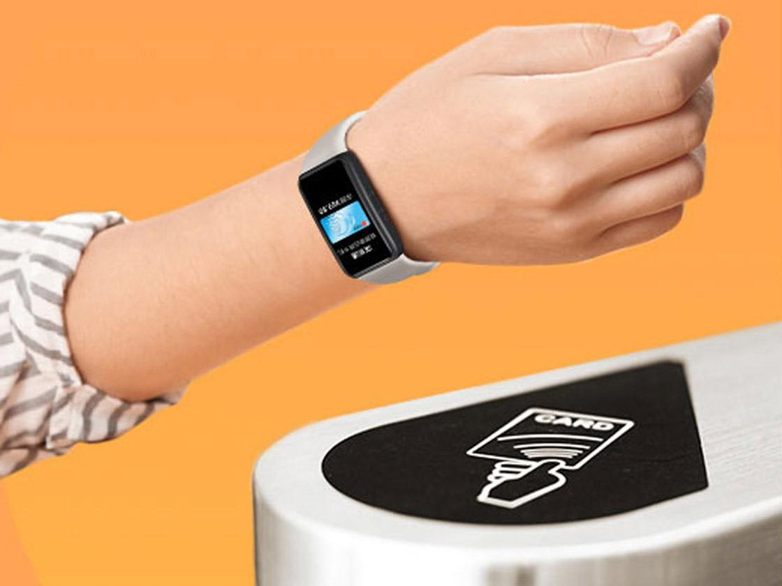 04 The Band 6 NFC can be used for payments, data syncing and even for commuting where available (Photo HONOR)