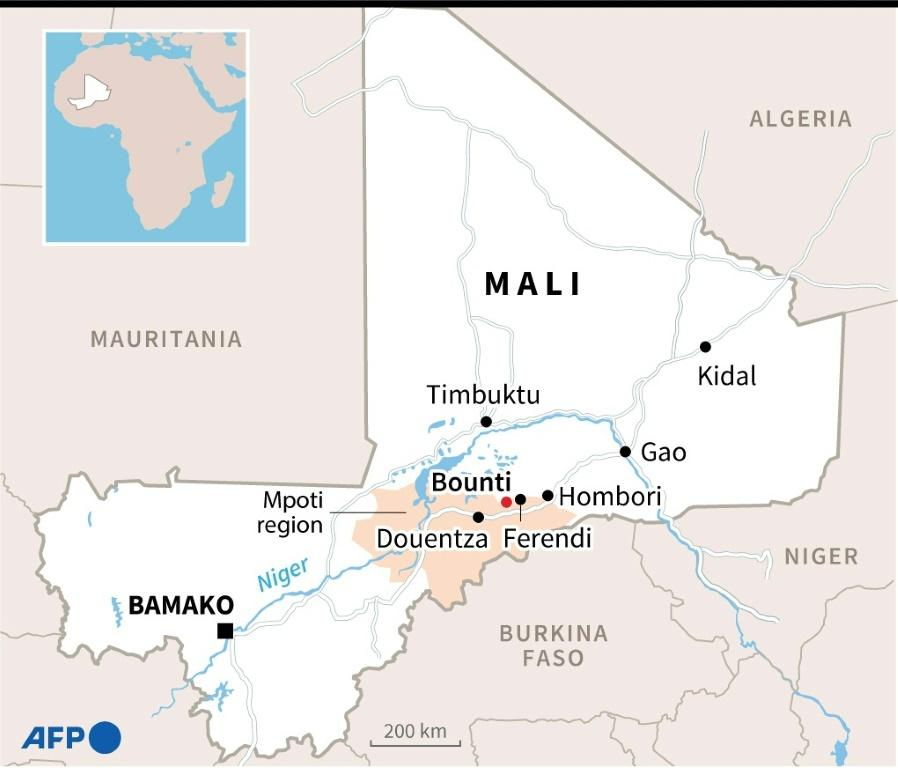 Map of Mali locating the town of Douentza and the city of Timbuktu