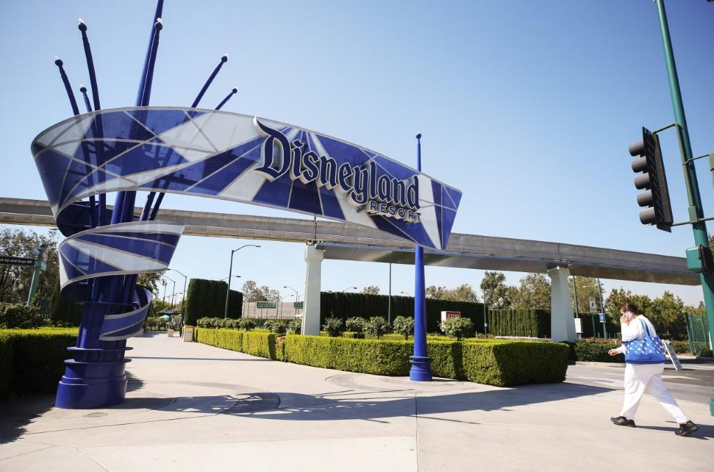 The first few hundred patients lucky drove up to Disneyland in California, where over-65s and health care workers are being inoculated against Covid-19 in white tents