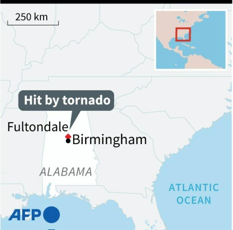 Map of US locating town of Fultondale in the state of Alabama where a tornado struck late Monday night.