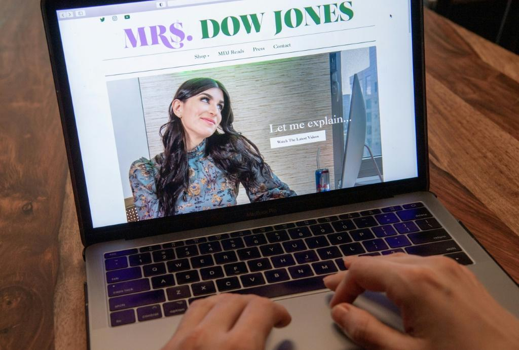 Haley Sacks' Mrs Dow Jones website, where she dishes out financial tips