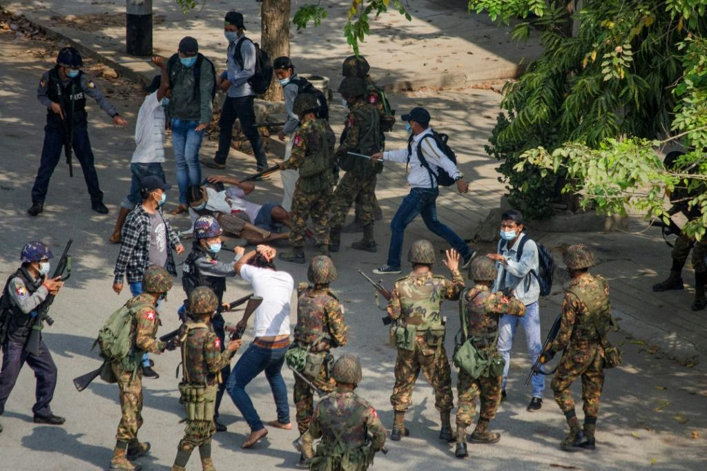 Police and soldiers had already fired rubber bullets, tear gas and water cannon on demonstrations over recent weeks