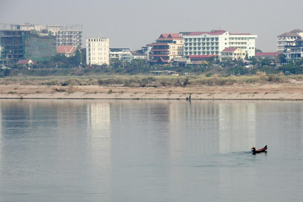 The battle against the meth trade between Thailand and Laos is divided by the Mekong River