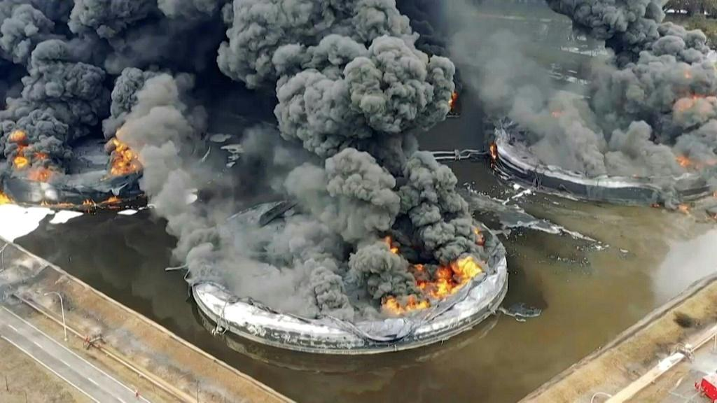 A massive fire rages for a second day at one of Indonesia's biggest oil refineries. Four oil storage tanks are in flames at the Balongan refinery in West Java, owned by state oil company Pertamina, after an explosion on Monday morning. At least six people