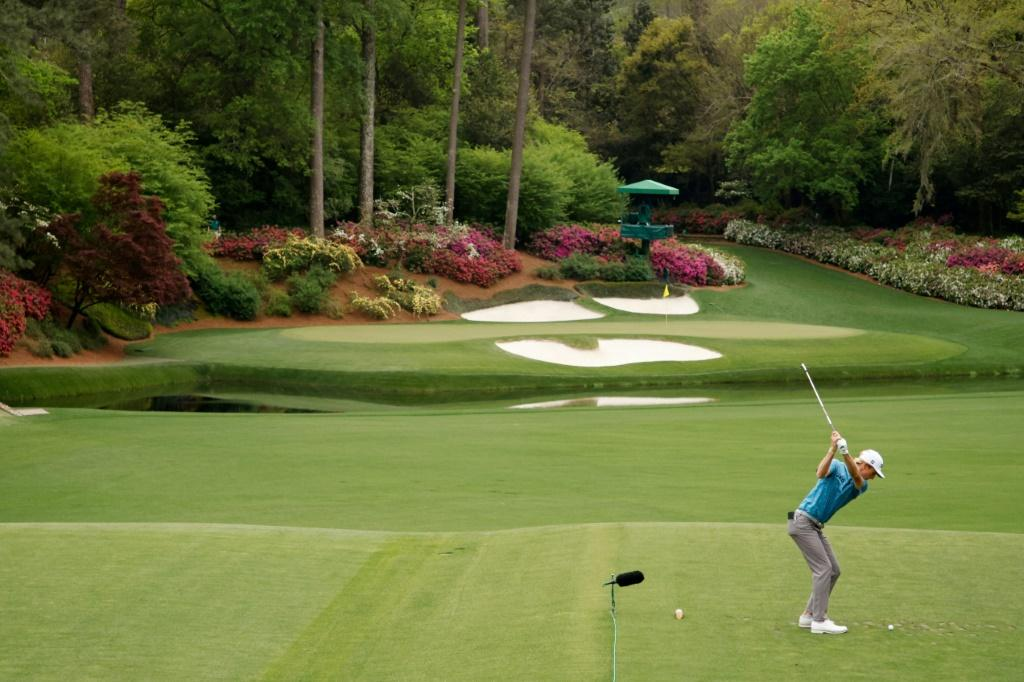 Rose Shakes Off Nightmare Start To Lead Masters By One