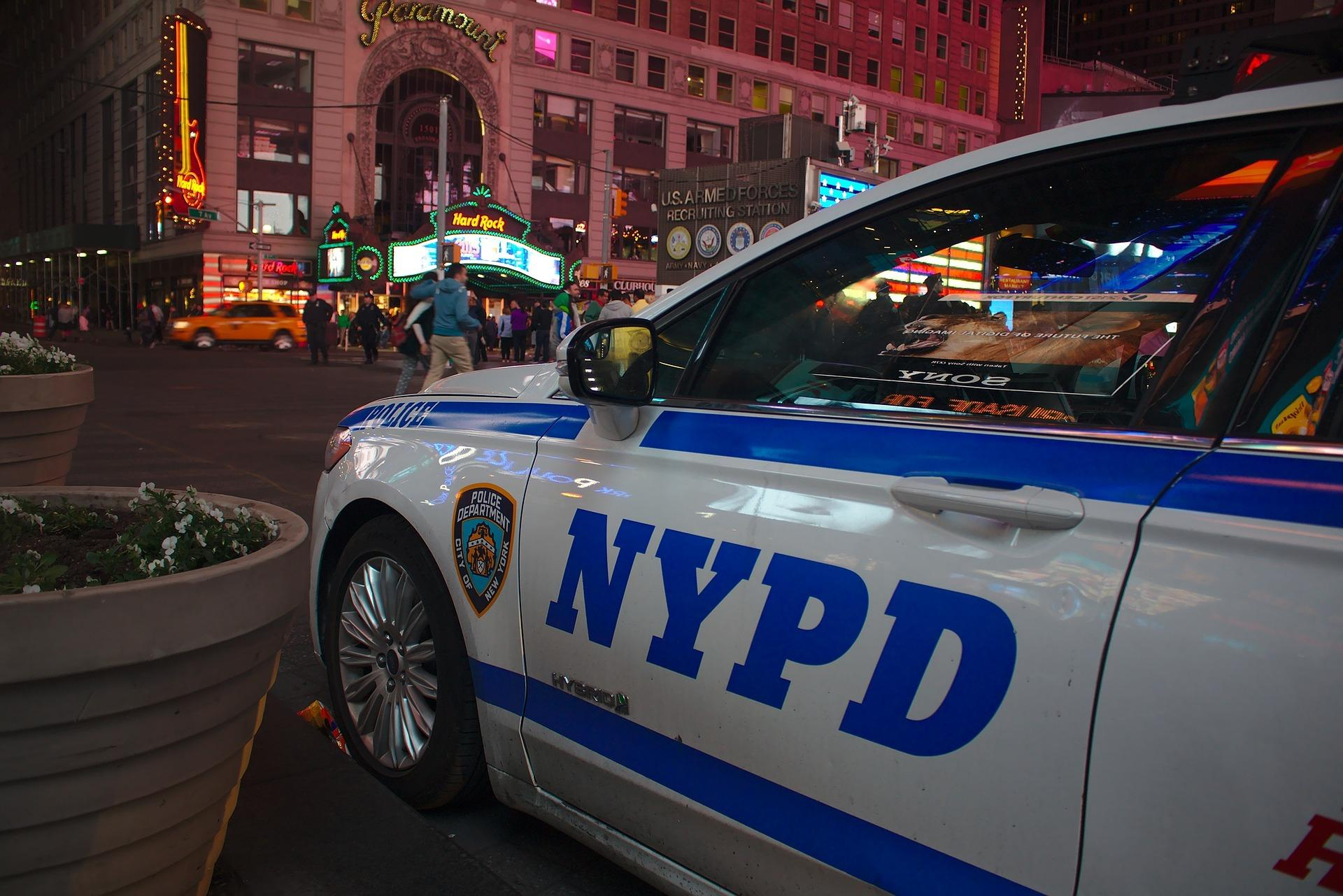 nypd-780387_1920