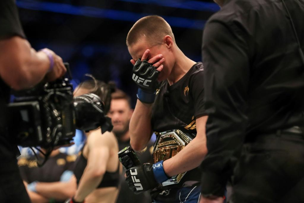 Rose Namajunas, the 28-year-old American strawweight challenger, seized back the title with a stunning head-kick knockout of Zhang Weili