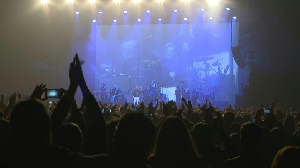 A trial concert in Barcelona testing infection risk at mass events proved successful after only six people out of 5,000 reported testing positive for Covid-19 afterwards. Ahead of the show, everyone underwent mass screening and antigen tests.