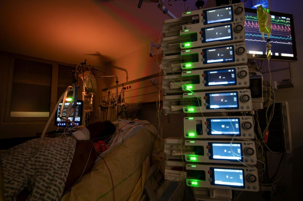 A Covid patient in the ICU in a hospital outside Paris, France