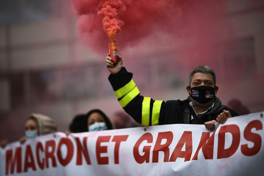 Macron's initial spate of reforms to the tax and welfare systems undermined his support on the left
