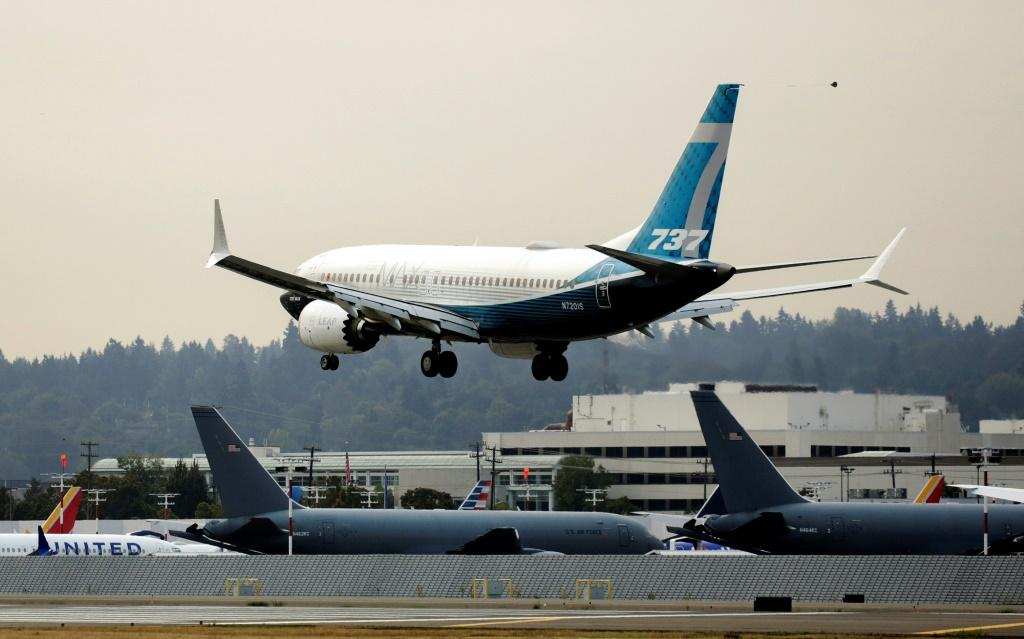 Boeing has won approval from US regulators for a fix to an electrical problem that has grounded more than 100 737 MAX planes globally