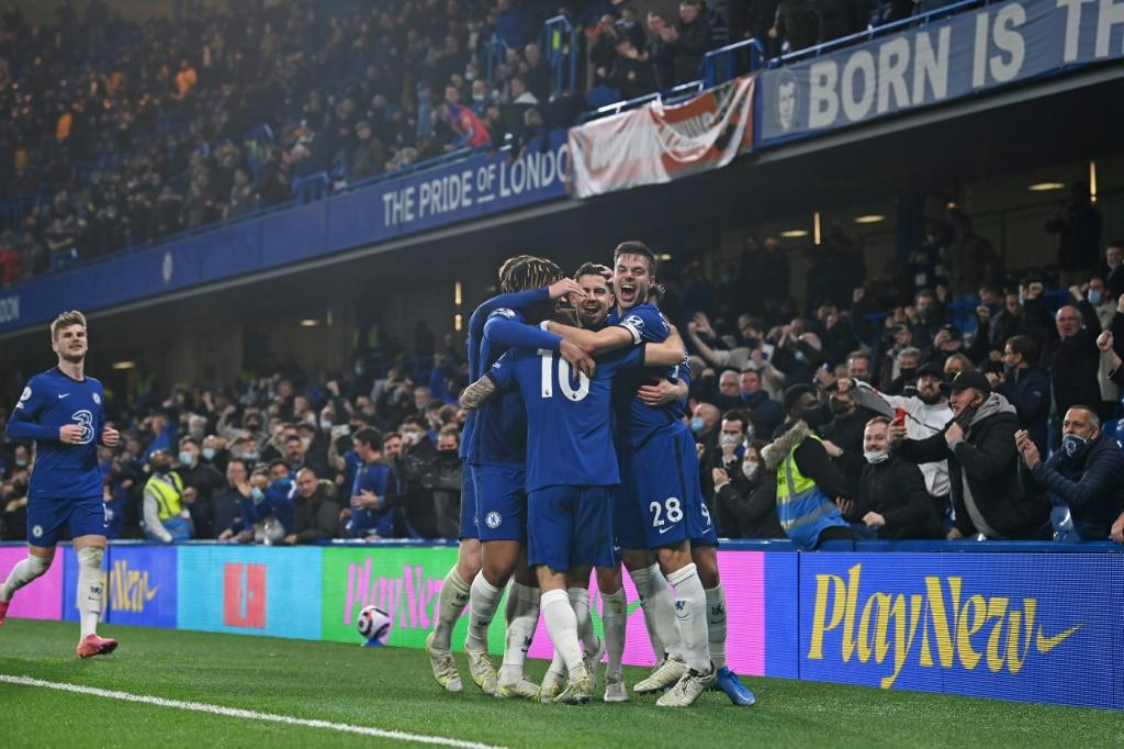 Chelsea earned a crucial victory against Leicester