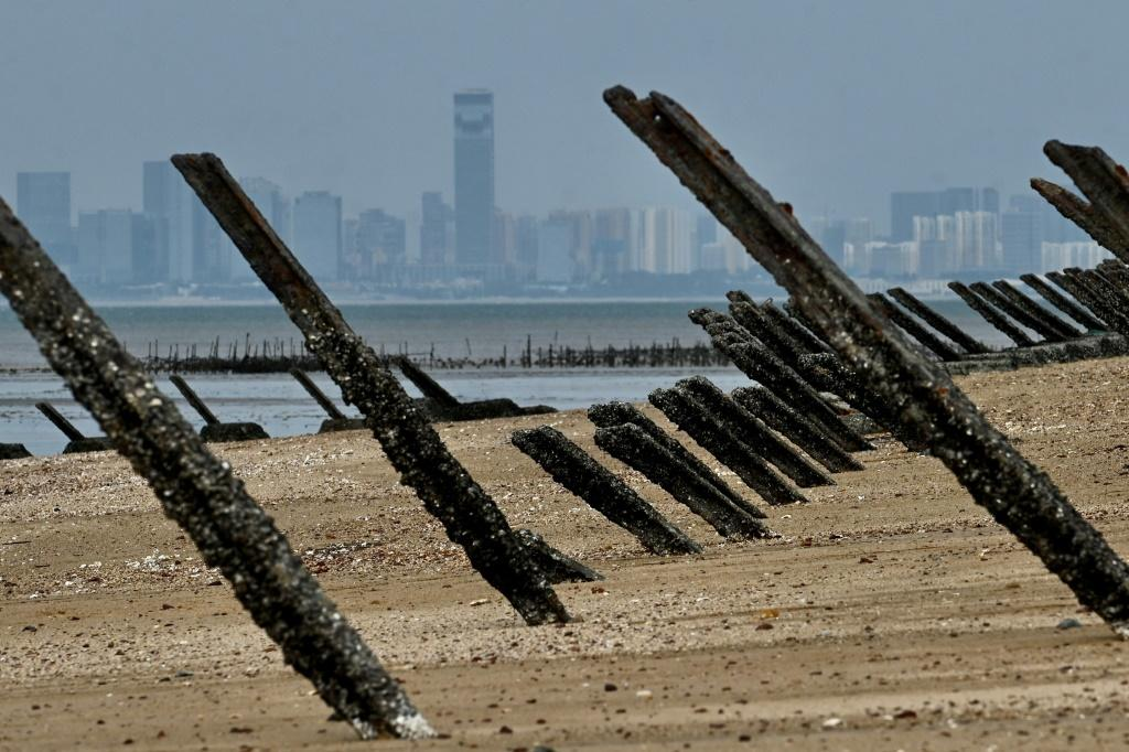 Spikes placed on the coast of Taiwan's Kinmen islands - located just 3.2 kms (two miles) from mainland China - to help prevent a military invasion