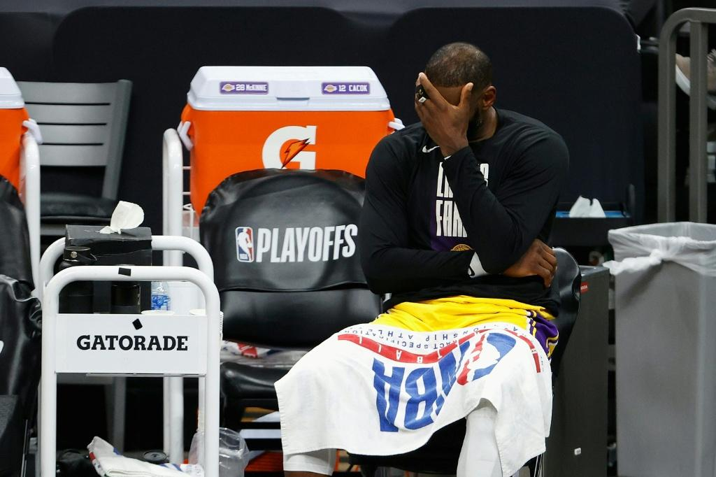 LeBron James reacts as the Los Angeles Lakers slump to a 115-85 loss to the Phoenix Suns on Tuesday
