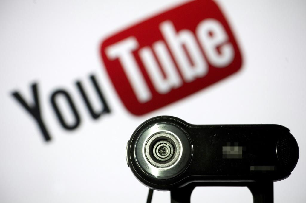 Hamburg music producer Peterson sued YouTube and its parent company Google for various songs and performances by soprano Sarah Brightman that were illegally posted in 2008.