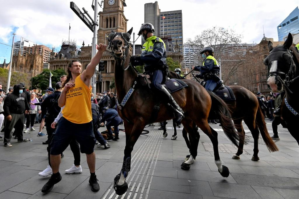 Several people were arrested at an anti-lockdown rally in Sydney which also saw violent clashes with police