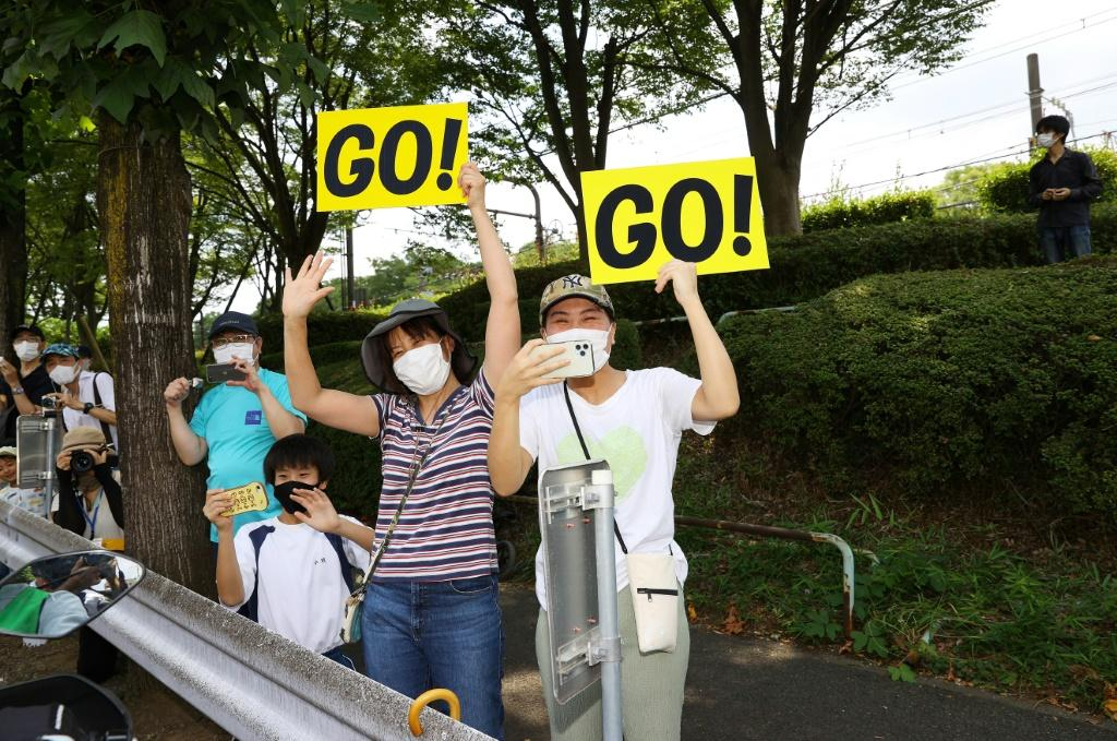 Several Olympic events held on public roads have attracted Japanese fans eager for a taste of the action