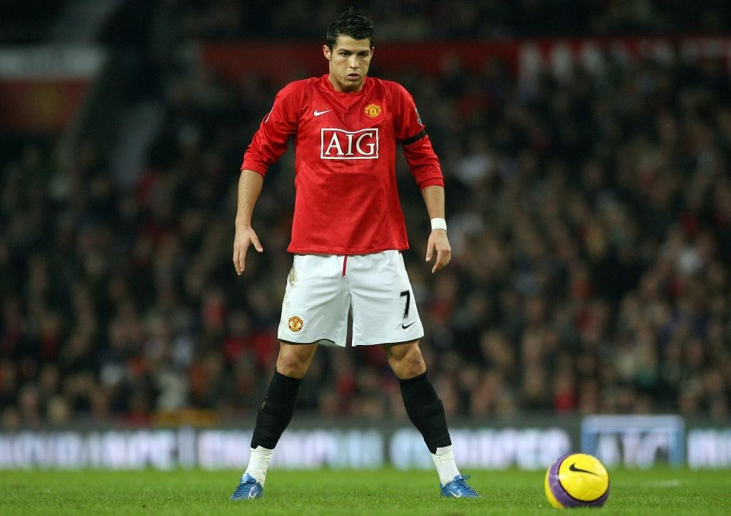 Manchester United announced a deal to re-sign Cristiano Ronaldo on Friday