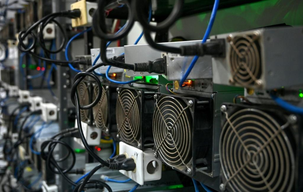 In Venezuela, a country in recession and contending with the world's highest inflation of nearly 3,000 percent in 2020, crypto mining presents a rare opportunity for making money
