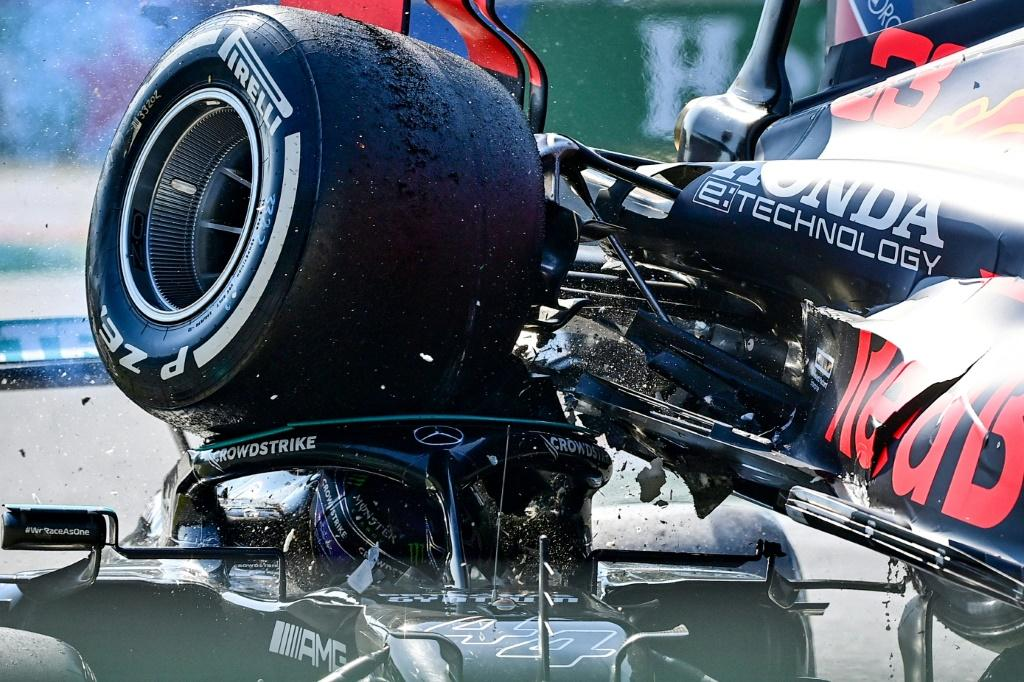 Lewis Hamilton (L) and Max Verstappen crashed out of the Italian Grand Prix after colliding with one another