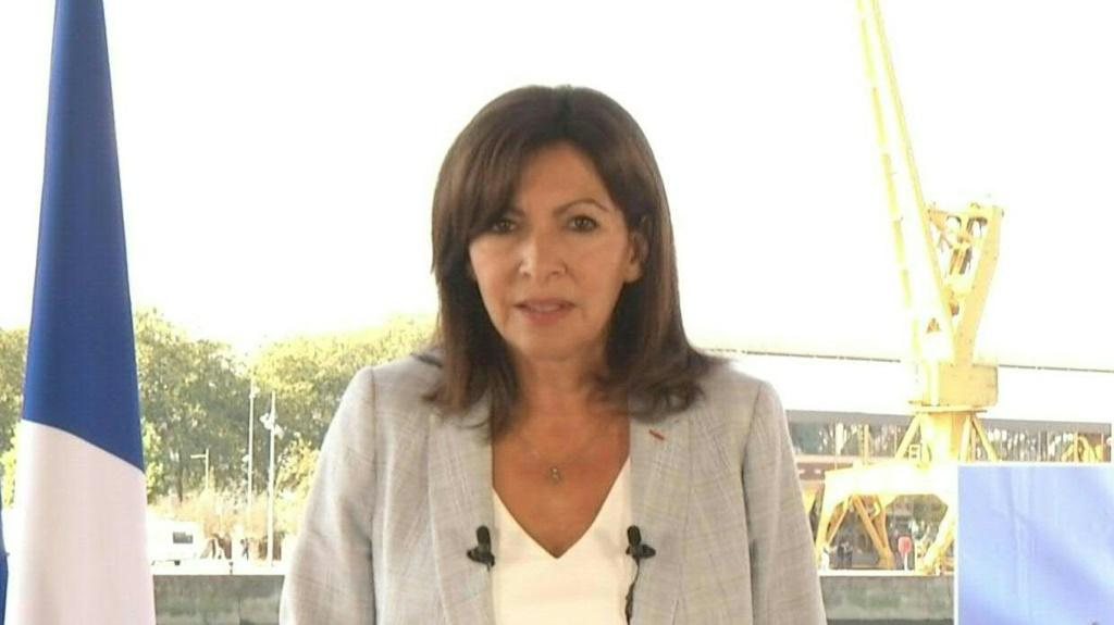 The Socialist mayor of Paris, Anne Hidalgo, announces plans to run for president in next year's election, joining a growing list of challengers to centrist incumbent Emmanuel Macron. Hidalgo was the first woman to be elected mayor of Paris and she now hop
