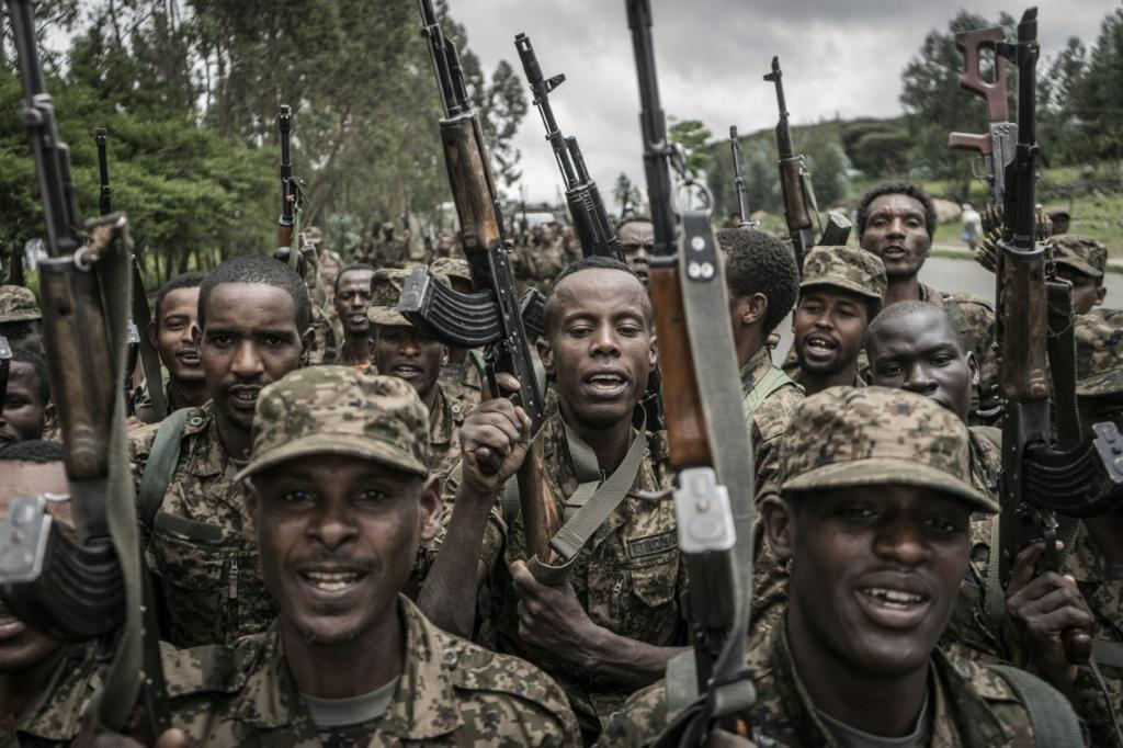 Ethiopian soldiers conduct weapons and fitness drills in the town of Dabat