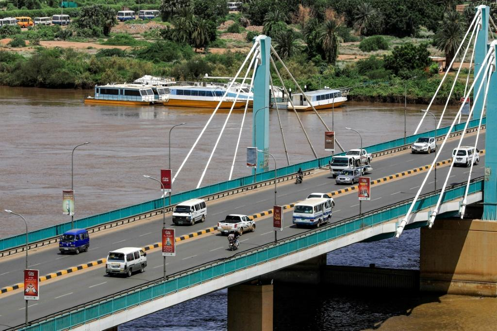 Traffic flows normally across the Mek Nimr Bridge linking Khartoum with Khartoum North, despite the reported coup attempt in the early hours