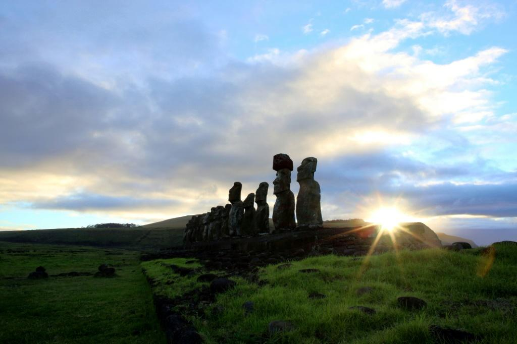 People in the Marquesas islands are genetically close to the people of Easter Island nearly 4,000 kilometres away
