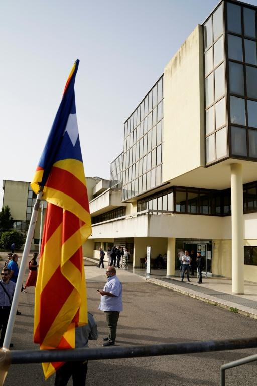 A Catalonian flag displayed outside the court