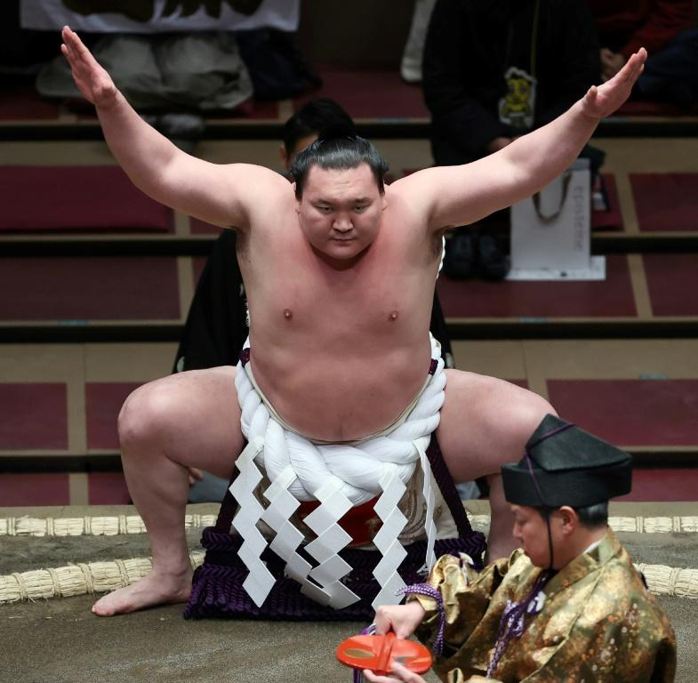 Sumo's greatest-ever champion Hakuho has reportedly decided to retire
