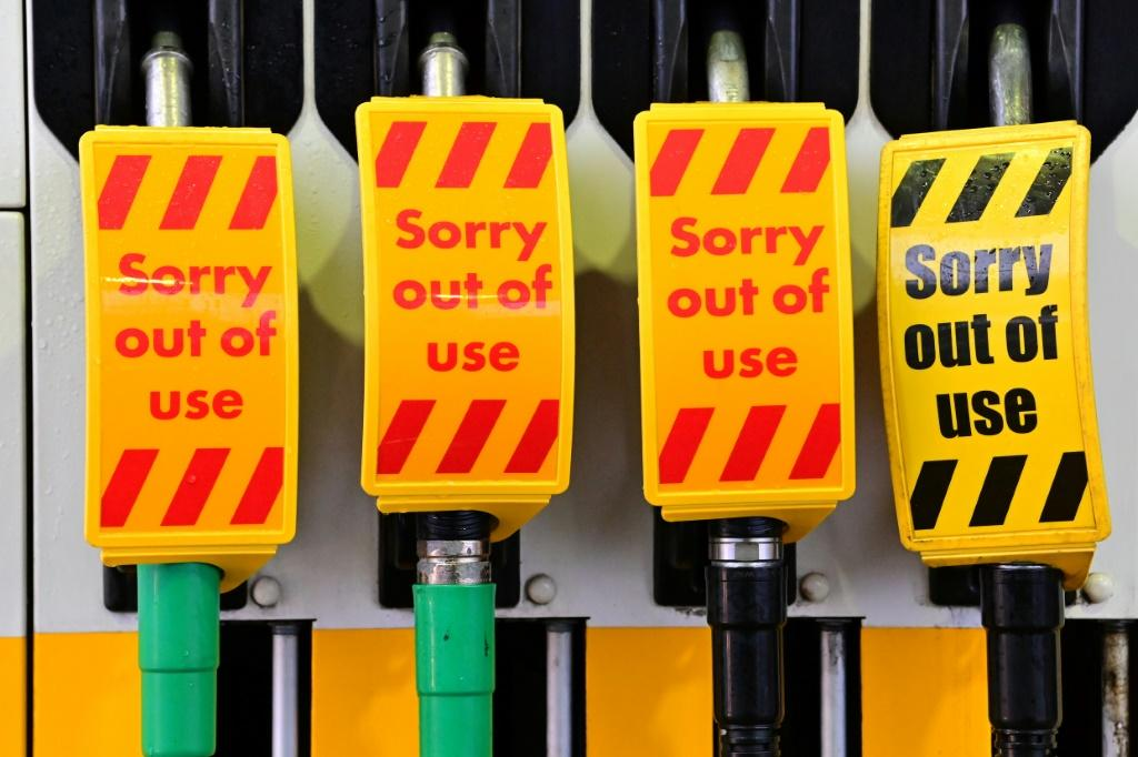 The Petrol Retailers Association said almost half of the UK's 8,000 petrol stations had run out of fuel on Sunday