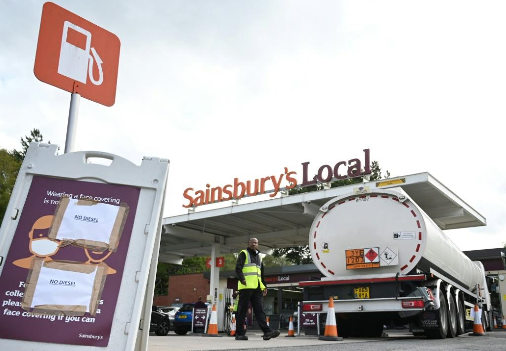 A lack of tanker drivers and panic buying has caused many filling stations to run dry