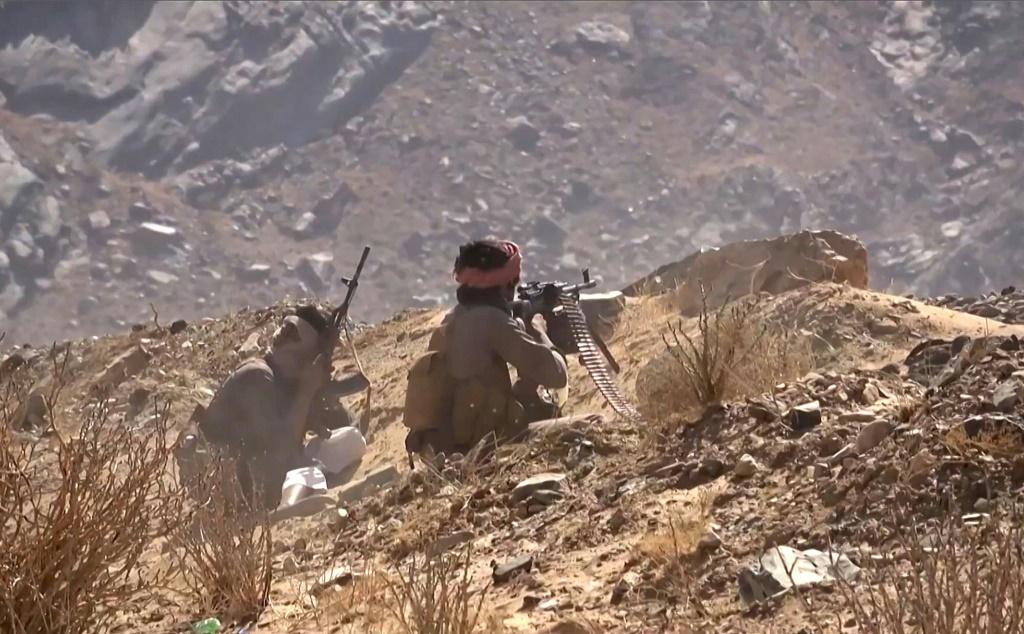 Sixty-seven Yemeni rebels and pro-government troops have been killed in recent fighting for Marib, military sources said Monday