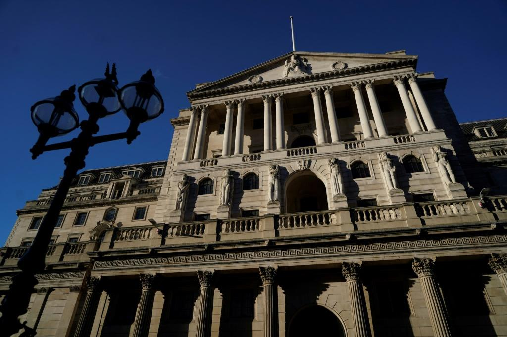 The Bank of England forecasts that inflation could top 4.0 percent in the final quarter of this year