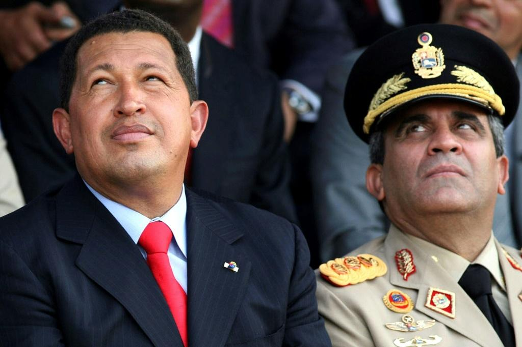 Radul Baduel (right) was an ally of the late former Venezuelan leader Hugo Chavez (left), pictured here in 2006, before they fell out over a proposed constitutional reform