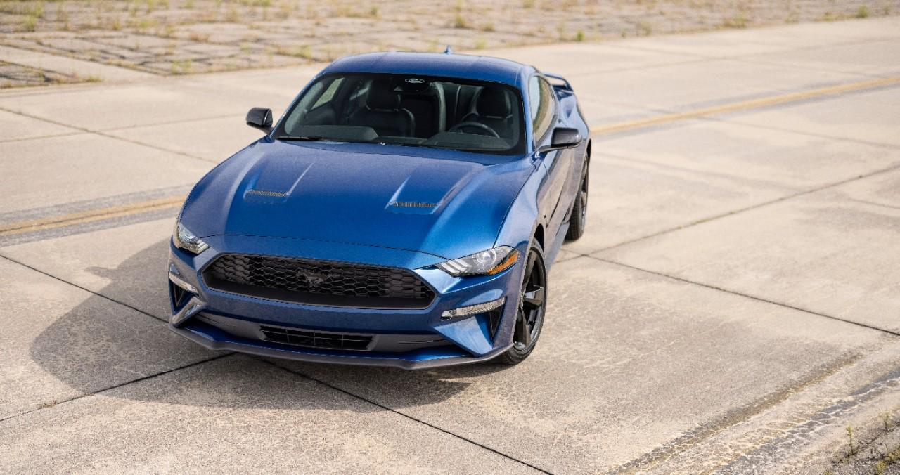 2022 Ford Mustang Stealth Edition_01