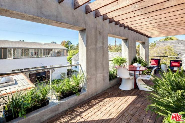 Tobey Maguire Lists His $2.995 Million Spanish-Style Estate in Santa Monica