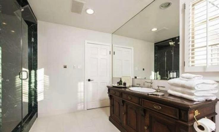 Kate Upton And Fiance Justin Verlander Purchase 5 25m Beverly