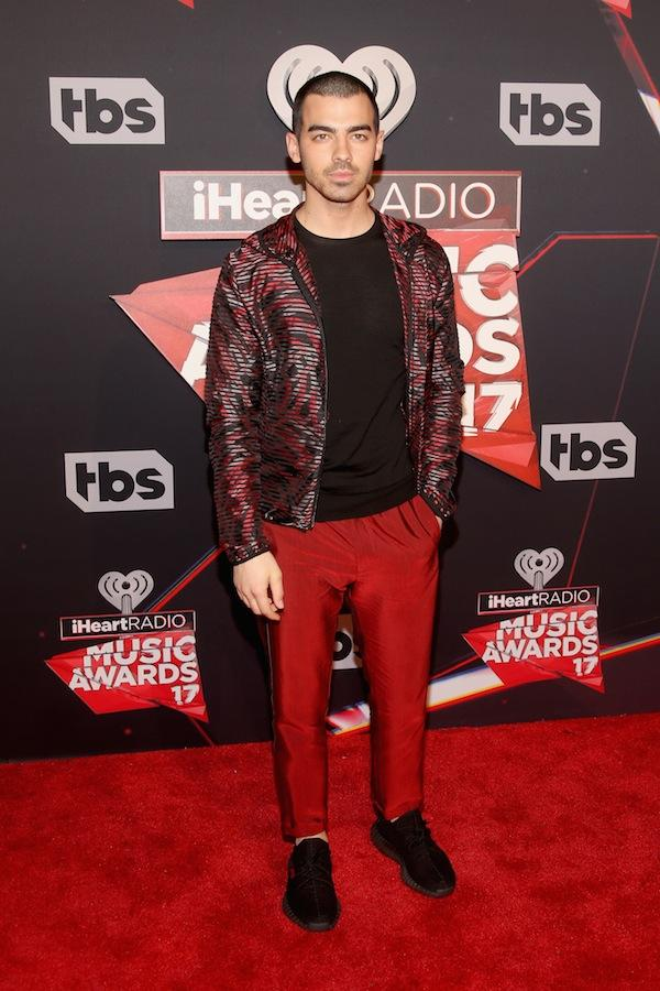2017 Iheartradio Music Awards Must See Red Carpet Looks